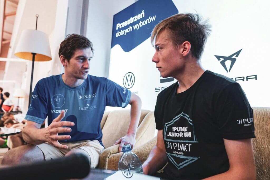 trener squash Kamil Dominiak udziela wywiadu